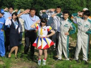 AKB48 Team 8『恋する充電プリウス』PV撮影